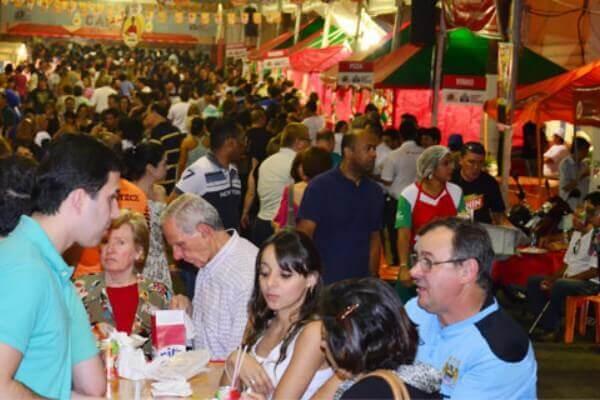 Participantes da Festa de San Gennaro