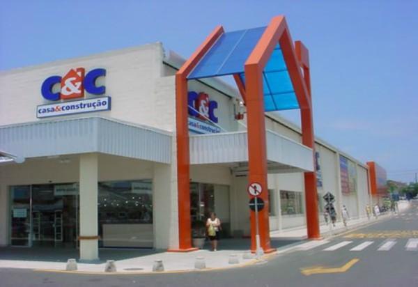 C&C Construção e Decoração faz promoção de luminárias
