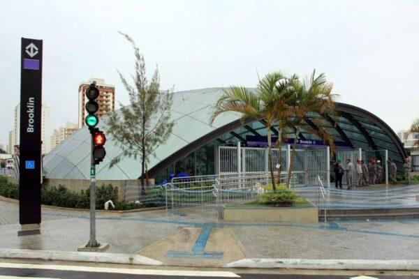 Estação Brooklin, inauguração atrasada com problemas nos gastos