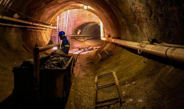 Obras de tratamento de esgoto beneficiam a Zona Leste