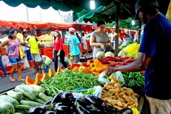 Dicas de alimentação saudável para o coração em feira livre
