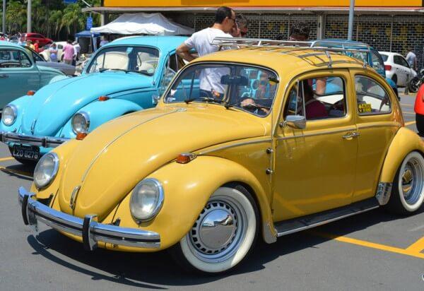 Shopping Metrô Itaquera promove encontro de carros antigos