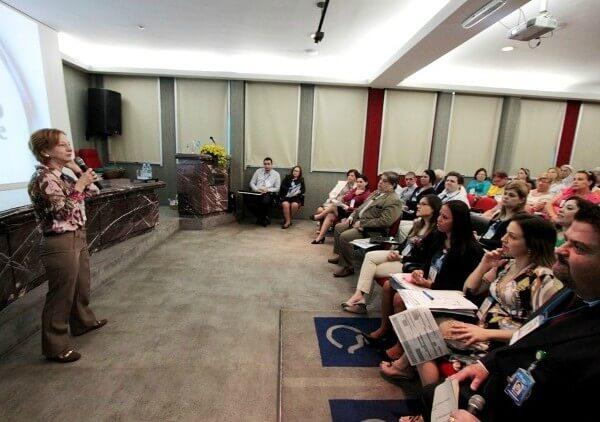 Hospital e Maternidade São Cristóvão promove palestra gratuita sobre prevenção ao suicídio
