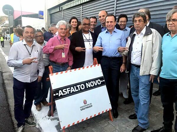 João Doria entrega primeiro trecho de recapeamento da Avenida Marechal Tito