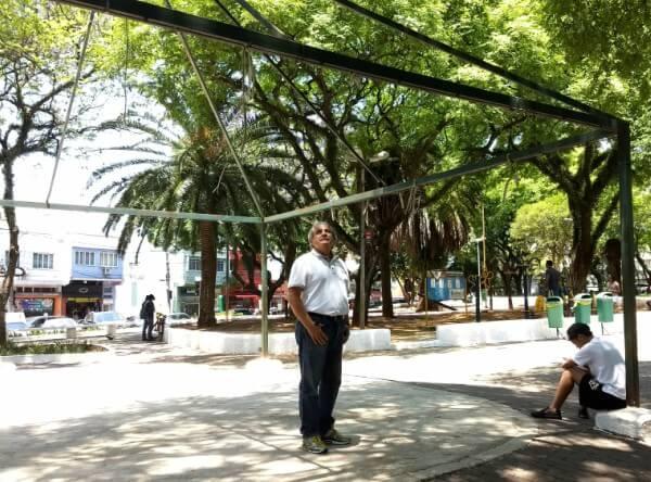 Prefeito regional Luiz Carlos Frigerio vistoria Vila Formosa, Vila Carrão e Jardim Iva