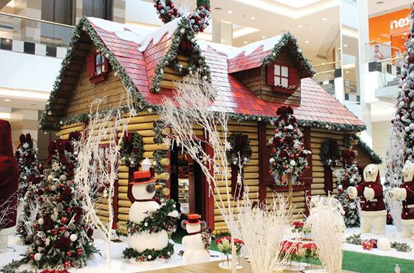 Espírito natalino invade a Zona Leste