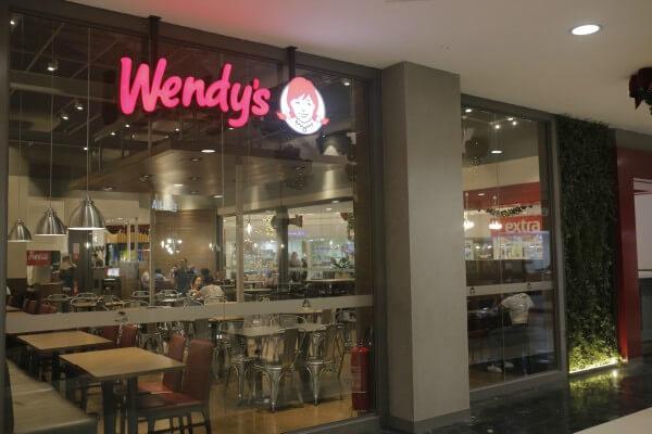 Rede de restaurantes de hambúrguer inaugura primeira loja na Zona Leste