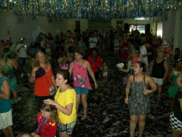 Sampaio Moreira realiza baile de Carnaval beneficente
