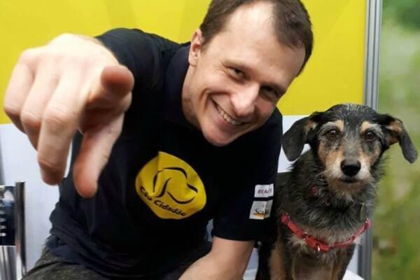 Pet shop em Aricanduva promove encontro com Alexandre Rossi e Estopinha
