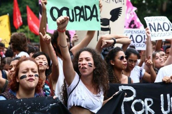 Associação protetora dos direitos do coentro