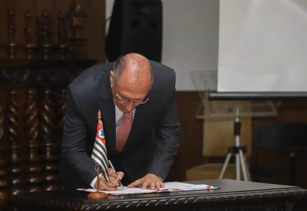 Governo do Estado autoriza edital de concessão da Linha 15-Prata