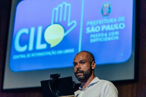 Prefeitura relança atendimento online da Central de Intermediação em Libras