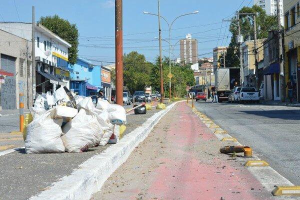 Ciclovias na Vila Carrão sofrem com falta de manutenção