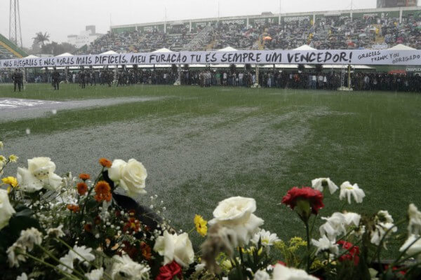 Biblioteca no Tatuapé recebe lançamento de livro sobre o acidente com a Associação Chapecoense de Futebol