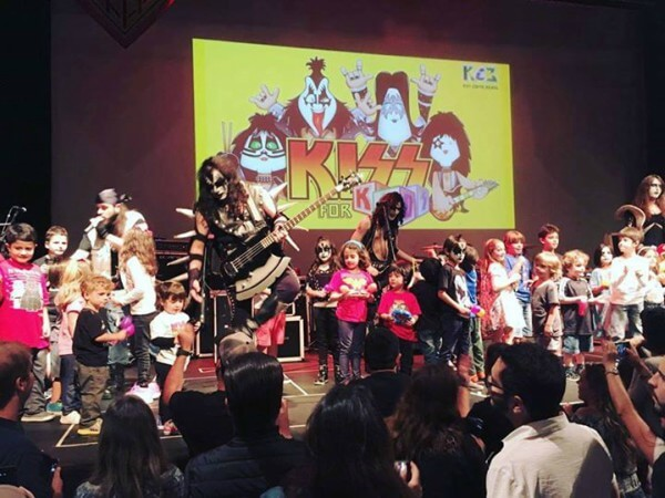Banda Kiss for Kids se apresenta no Teatro Dr. Botica
